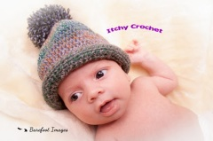 Newborn baby bobble hat